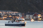 The fishingboat Starbeam outside Fosnavåg harbor | Fiskebåten Starbeam utenfor Fosnavåg havn.