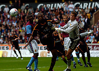 Fotball<br /> England 2005/2006<br /> Foto: SBI/Digitalsport<br /> NORWAY ONLY<br /> <br /> Wolverhampton Wanderers v Aston Villa<br /> Pre Season Friendly.<br /> 30/07/2005.<br /> <br /> Wolves' Carl Cort (L) is denied by Villa goalkeeper Neil Sullivan