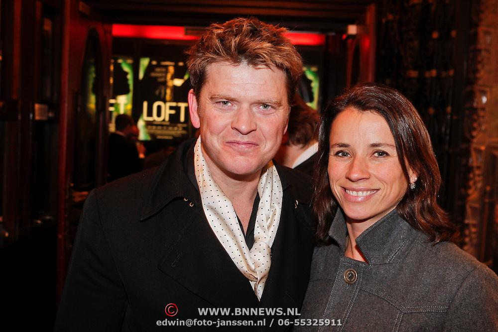 NLD/Amsterdam/20101214 - Inloop premiere LOFT, Beau van Erven Dorens en partner Selly Vermeijden