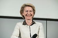 14 JAN 2019, BERLIN/GERMANY:<br /> Ursula von der Leyen, CDU, Bundesverteidigungsministerin, Veranstaltung der Konrad-Adenauer-Stiftung, KAS, &quot;Frauenpolitik - Auftrag fuer morgen!&quot;, Sheraton Hotel <br /> IMAGE: 20190114-01-056<br /> KEYWORDS: Freundlich, lacht, lachen
