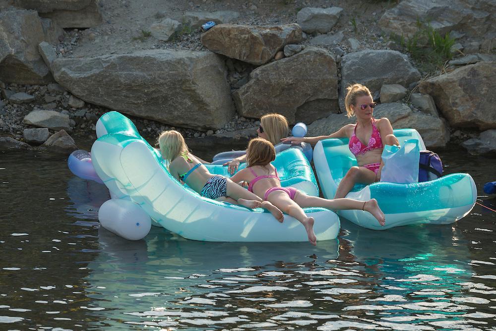 Canada, British Columbia,Okanagan Valley, Penticton, rafting, tubing
