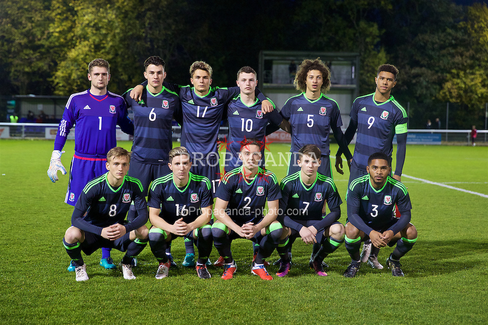 BANGOR, WALES - Saturday, November 12, 2016: Wales players line up for a team group photograph before the UEFA European Under-19 Championship Qualifying Round Group 6 match against England at the Nantporth Stadium. Back row L-R: goalkeeper Fergal Hale-Brown, Regan Poole, Rhyle Ovenden, Nathan Broadhead, Ethan Ampadu, captain Tyler Roberts. Front row L-R: Matthew Smith, Aaron Lewis, Cameron Coxe, Ben Woodburn, Cole DaSilva. (Pic by Gavin Trafford/Propaganda)