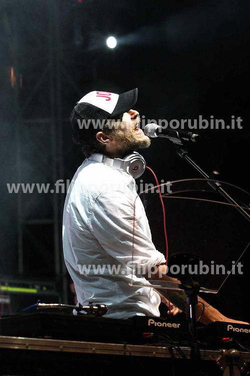 INTERNAZIONALE 2011: CONCERTO IN PIAZZA CASTELLO CON JOVANOTTI