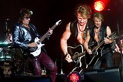 04.06.2010, Madrid, ESP, Bon Jovi live in Concert, Rock in Rio gab die Band in Madrid zu ihrem besten, Richie Sambora and Jon Bon Jovi, EXPA Pictures © 2010, PhotoCredit: EXPA/ Alterphotos/ Alfaqui/ Cesar Cebolla / SPORTIDA PHOTO AGENCY