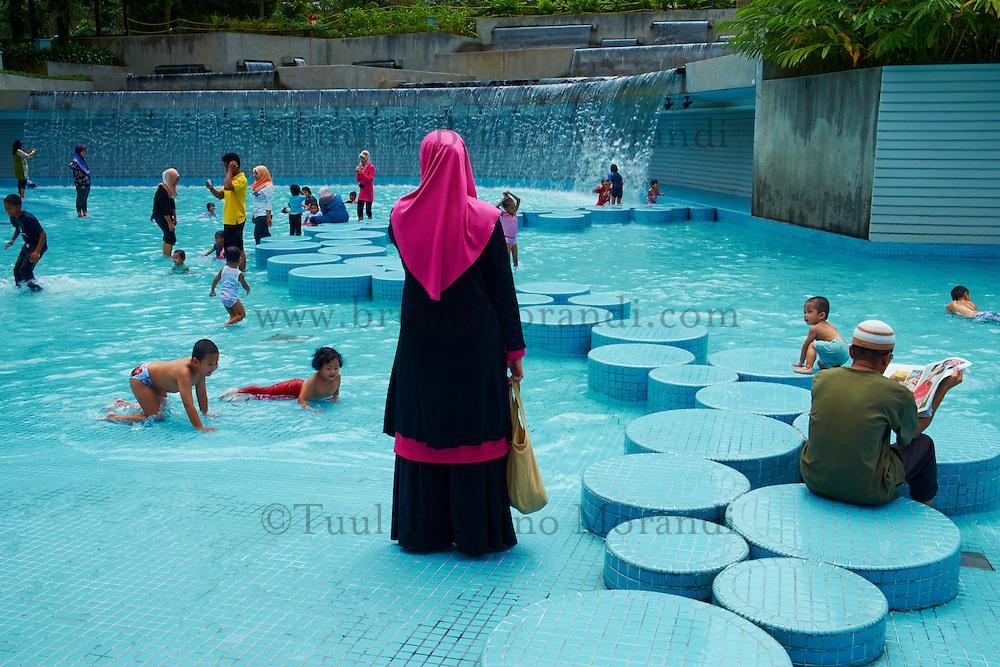 Malaisie, Etat de Selangor, Kuala Lumpur, le parc KLCC (Kuala Lumpur City Center) // Malaysia, Selangor state, Kuala Lumpur, KLCC (Kuala Lumpur City Center) park