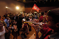 18 SEP 2005 BERLIN/GERMANY:<br /> Die Band Beat n´Blow spielt auf der Wahlparty der SPD, Wahlabend der SPD, Willy-Brandt-Haus<br /> IMAGE: 20050918-01-140<br /> KEYWORDS: Wahlparty, Bundestagswahl, Applaus, applaudieren, Jubel