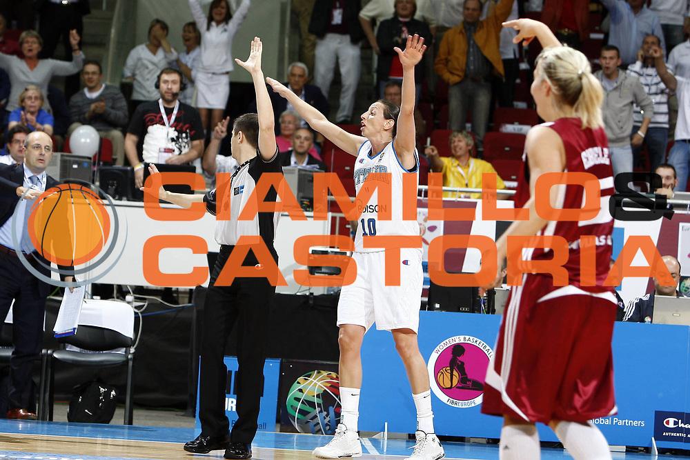 DESCRIZIONE : Riga Latvia Lettonia Eurobasket Women 2009 Semifinal 5th-8th Place Italia Lettonia Italy Latvia<br /> GIOCATORE : Laura Macchi<br /> SQUADRA : Italia Italy<br /> EVENTO : Eurobasket Women 2009 Campionati Europei Donne 2009 <br /> GARA : Italia Lettonia Italy Latvia<br /> DATA : 19/06/2009 <br /> CATEGORIA : ritratto<br /> SPORT : Pallacanestro <br /> AUTORE : Agenzia Ciamillo-Castoria/E.Castoria