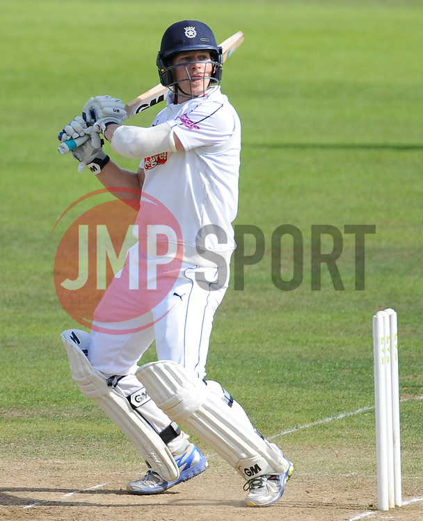 Hampshire's Jimmy Adams during his innings.  - Mandatory byline: Alex Davidson/JMP - 07966386802 - 12/09/2015 - CRICKET - The County Ground -Taunton,England - Somerset CCC v Hampshire CCC - Day 4