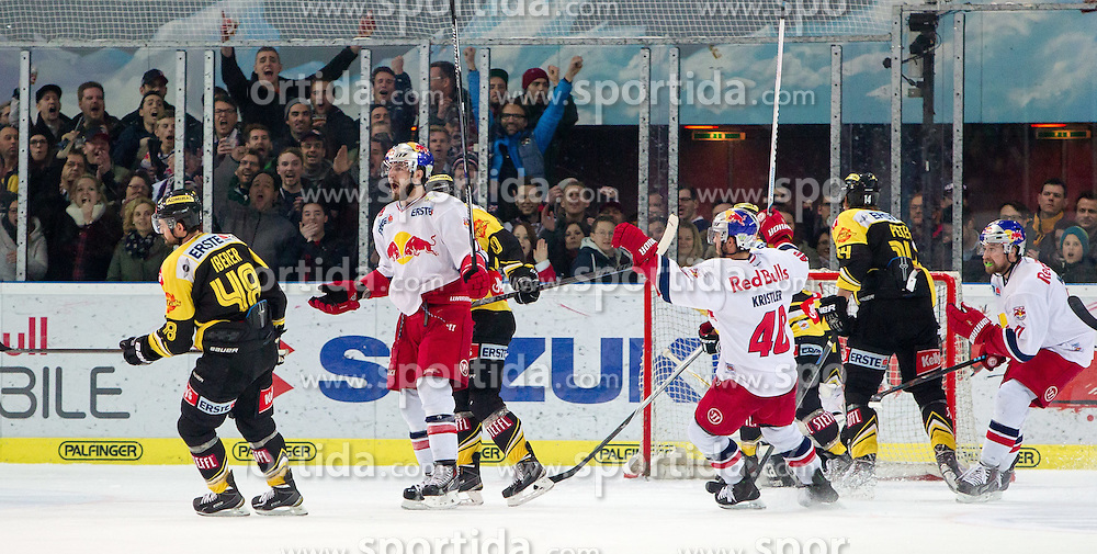 07.04.2015, Eisarena, Salzburg, AUT, EBEL, EC Red Bull Salzburg vs UPC Vienna Capitals, Finale, 1. Spiel, im Bild Torjubel Red Bulls nach dem 5:1 durch Kyle Beach (EC Red Bull Salzburg) // during the Erste Bank Icehockey League 1st final match between EC Red Bull Salzburg and UPC Vienna Capitals at the Eisarena in Salzburg, Austria on 2015/04/07. EXPA Pictures © 2015, PhotoCredit: EXPA/ JFK