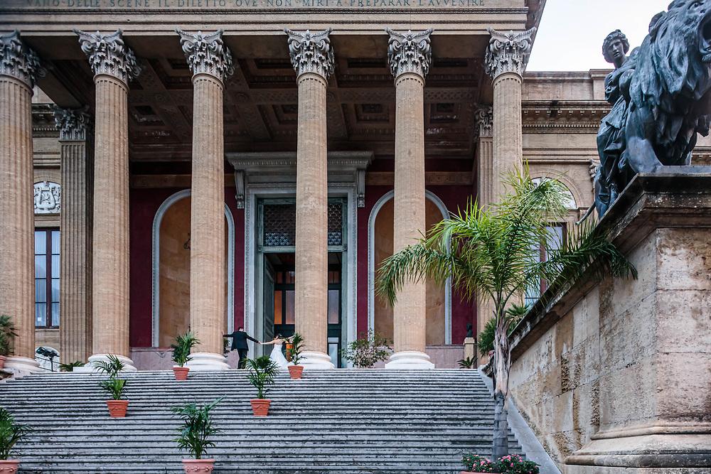 Palermo: sposi al Teatro Massimo.