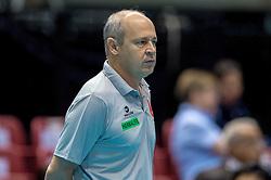 18-05-2016 JAP: OKT Peru - Italie, Tokio<br /> Italië verslaat Peru met 3-0 / Coach Mauro Marasciulo of Peru