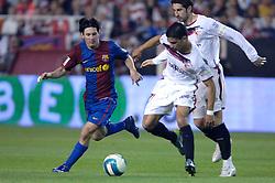 03-03-2007 VOETBAL: SEVILLA FC - BARCELONA: SEVILLA  <br /> Sevilla wint de topper met Barcelona met 2-1 /  en Lionel Messi, Adriano en Dragutinovic - boarding unibet.com<br /> &copy;2006-WWW.FOTOHOOGENDOORN.NL
