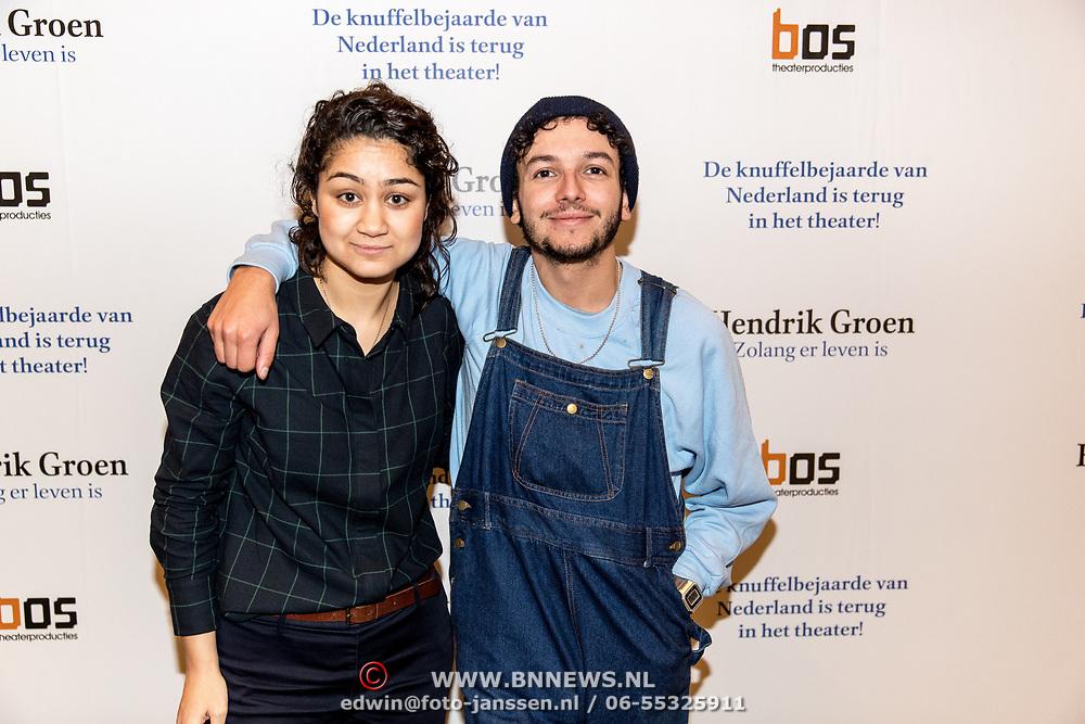 NLD/Amsterdam/20191211 - Hendrik Groen-voorstelling in premiere, Soumaya Ahouaoui en Sahil Amar Aïssa