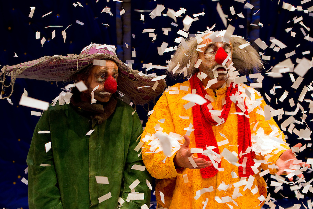 Evgeny Perevalov, left, Robert Saralp as Slava perform in Slava's Snowshow, a fusion of traditional and contemporary theatrical clowning arts, opens at the ASB Theatre, Auckland, New Zealand, Wednesday, July 10, 2013.   Credit: SNPA / David Rowland
