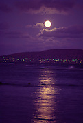 Moonrise over Koko Head, Oahu, Hawaii<br />