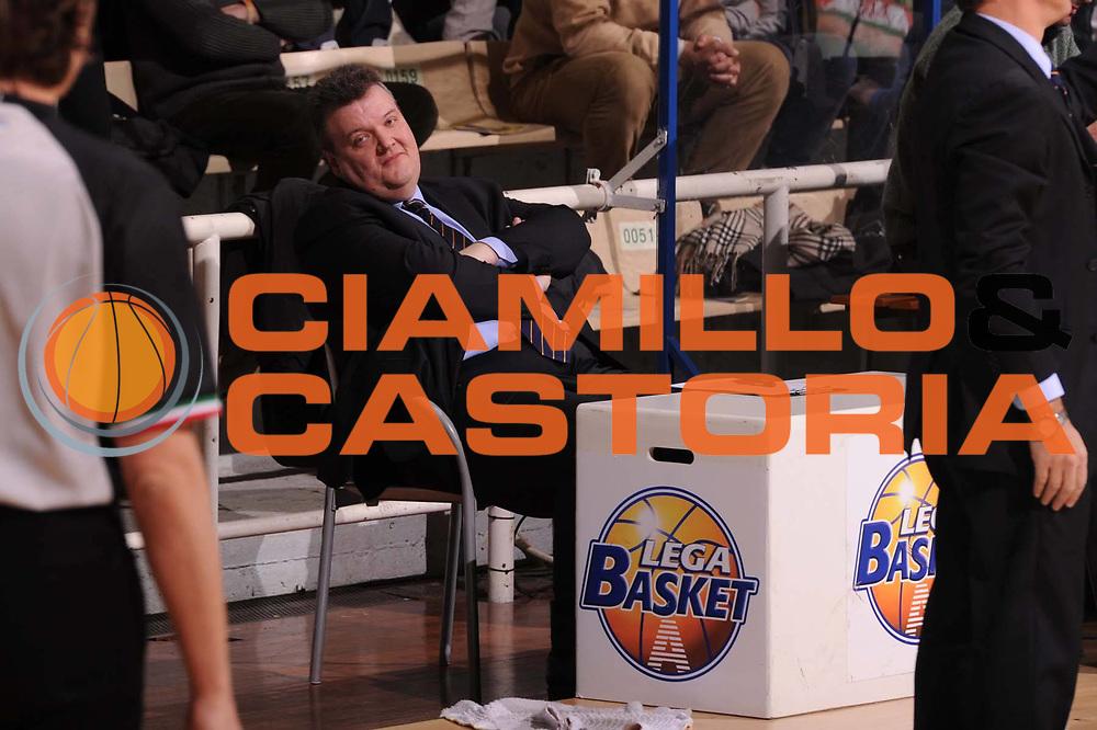DESCRIZIONE : Siena Lega Basket A 2011-12  Montepaschi Siena Fabi Shoes Montegranaro<br /> GIOCATORE : Vittorio Perticarini<br /> CATEGORIA : curiosita<br /> SQUADRA : Fabi Shoes Montegranaro<br /> EVENTO : Campionato Lega A 2011-2012 <br /> GARA : Montepaschi Siena Fabi Shoes Montegranaro<br /> DATA : 15/01/2012<br /> SPORT : Pallacanestro  <br /> AUTORE : Agenzia Ciamillo-Castoria/ GiulioCiamillo<br /> Galleria : Lega Basket A 2011-2012  <br /> Fotonotizia : Siena Lega Basket A 2011-12 Montepaschi Siena Fabi Shoes Montegranaro<br /> Predefinita :