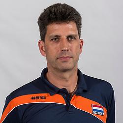 07-06-2016 NED: Jeugd Oranje jongens <1999, Arnhem<br /> Photoshoot met de jongens uit jeugd Oranje die na 1 januari 1999 geboren zijn / Coach Arnold van Ree