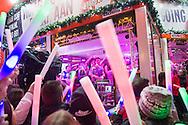 Nederland, Den Bosch, 20151223.<br /> het Bosch Winterparadijs. <br /> De Parade in 's-Hertogenbosch omgetoverd tot een sfeervolle huiskamer waar jong en oud naar toe kunnen komen voor optredens, gezelligheid en winterse gerechten<br /> <br /> <br /> Netherlands, Den Bosch, 20151223<br /> Bosch Winter Paradise.<br /> Parade in 's-Hertogenbosch transformed into a cozy living room where young and old can come to for performances, socializing and winter dishes