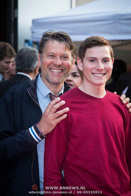 NLD/Amsterdam/20140422 - Premiere The Amazing Spiderman 2, Erik van der Hoff en zoon