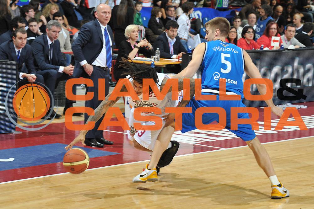 DESCRIZIONE : Milano Agos Ducato All Star Game 2011<br /> GIOCATORE : David Moss<br /> SQUADRA : Italia Nazionale Maschile All Star Team<br /> EVENTO : All Star Game 2011<br /> GARA : Italia All Star Team<br /> DATA : 13/03/2011<br /> CATEGORIA : Equilibrio Palleggio<br /> SPORT : Pallacanestro<br /> AUTORE : Agenzia Ciamillo-Castoria/M.Gregolin<br /> Galleria : FIP Nazionali 2011<br /> Fotonotizia :  Milano Agos Ducato All Star Game 2011<br /> Predefinita :