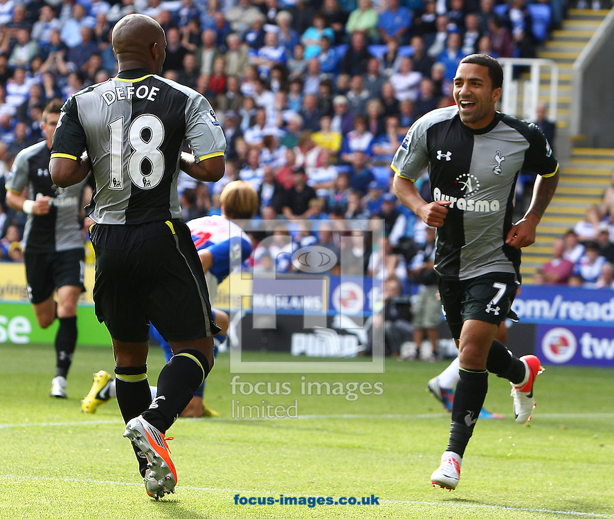 Picture by Paul Terry/Focus Images Ltd +44 7545 642257.16/09/2012.Jermain Defoe ( L ) of Tottenham Hotspur celebrates with Aaron Lennon after scores the first goal during the Barclays Premier League match at the Madejski Stadium, Reading.