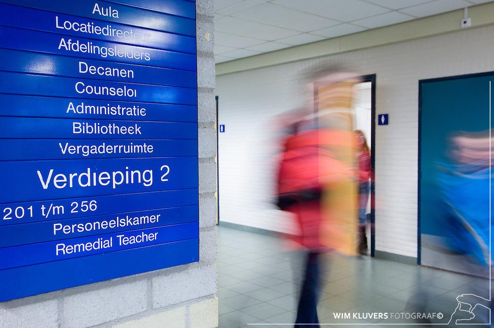 Nederland, Hilversum20051109<br /> ISIS Q5 Noordik College Erik versteege, petra kwast ,