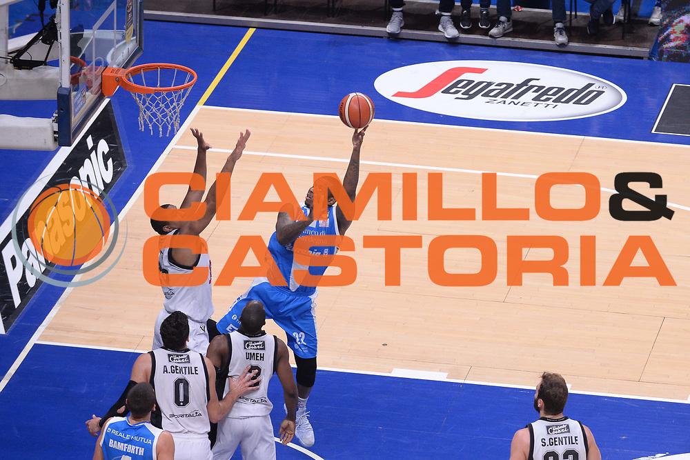 Shawn Jones<br /> Segafredo Virtus Bologna - Banco di Sardegna Dinamo Sassari<br /> Lega Basket Serie A 2017/2018<br /> Bologna, 22/10/2017<br /> Foto M.Ceretti / Ciamillo - Castoria