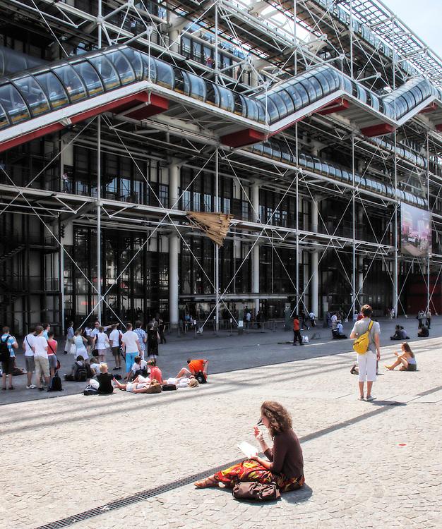 Le Centre Pompidou, Paris, France