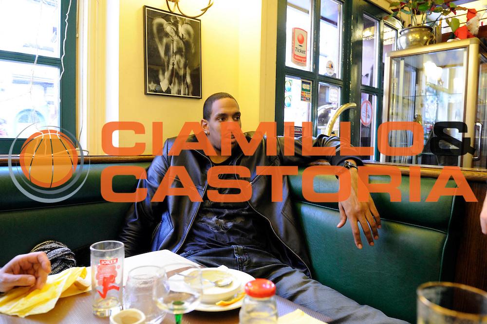 DESCRIZIONE : Championnat de France Pro a Strasbourg <br /> GIOCATORE : Alexis Ajinca<br /> SQUADRA : Strasbourg<br /> EVENTO : Magazine Pro A<br /> GARA : <br /> DATA : 15/01/2012<br /> CATEGORIA : Basketball France Homme  Magazine Strasbourg <br /> AUTORE : JF Molliere<br /> Galleria : France Basket 2011-2012 Magazine<br /> Fotonotizia : Championnat de France Pro a Strasbourg Alexis Ejinca au restaurant <br /> Predefinita :