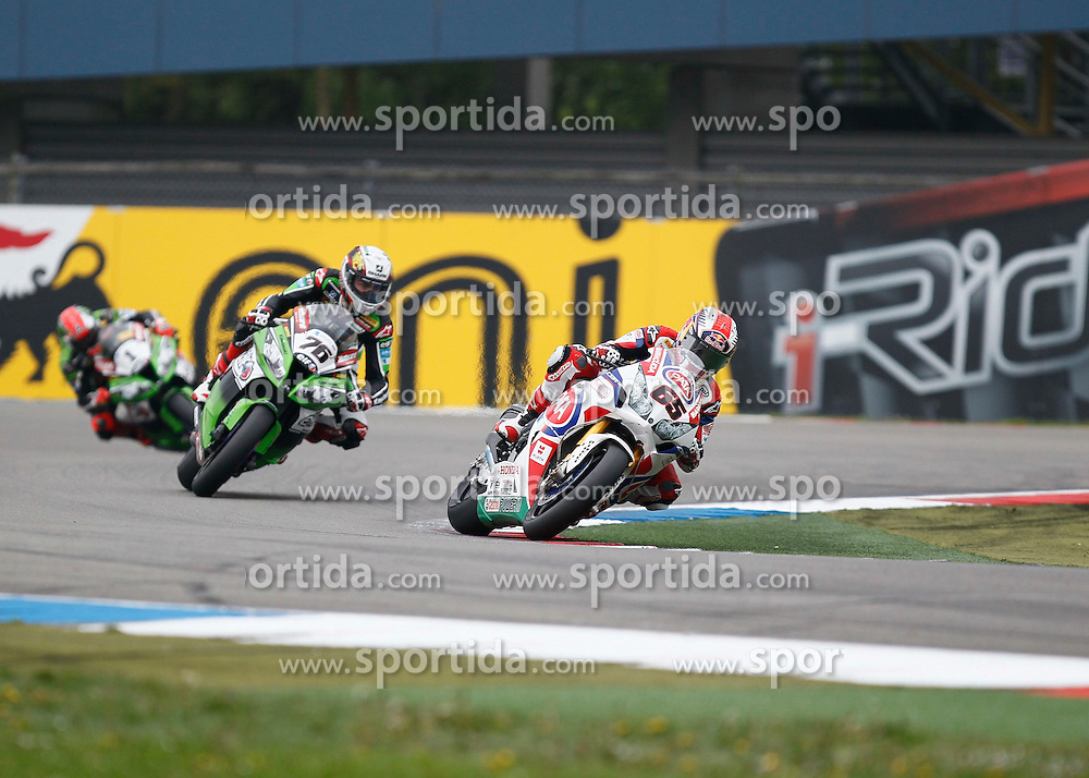27.04.2014, TT Assen Circuit, Assen, NED, FIM, Superbike World Championship, Assen, Warm Up, Rennen, im Bild 65 Jonathan Rea vor 76 Loris Baz und 1 Tom Sykes // during the Warm up and Race of Round 3 - Assen FIM Superbike World Championship at the TT Assen Circuit in Assen, Netherlands on 2014/04/27. EXPA Pictures &copy; 2014, PhotoCredit: EXPA/ Eibner-Pressefoto/ Stiefel<br /> <br /> *****ATTENTION - OUT of GER*****
