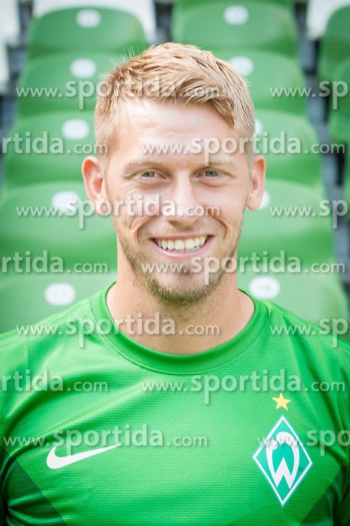 27.07.2012, Weserstadion, Bremen, GER, 1. FBL, SV Werder Bremen, Fototermin, im Bild Aaron Hunt (SV Werder Bremen #14) // during the official Team Photo Call of the German Bundesliga Club SV Werder Bremen at the Weserstadion, Bremen, Germany on 2012/07/27. EXPA Pictures © 2012, PhotoCredit: EXPA/ Andreas Gumz ***** ATTENTION out of GERMANY *****