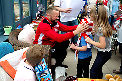 Aaron Wilbraham of Bristol City gives out presents during Bristol City's visit to the Children's Hospice South West at Charlton Farm - Mandatory by-line: Robbie Stephenson/JMP - 21/12/2016 - FOOTBALL - Children's Hospice South West - Bristol , England - Bristol City Children's Hospice Visit