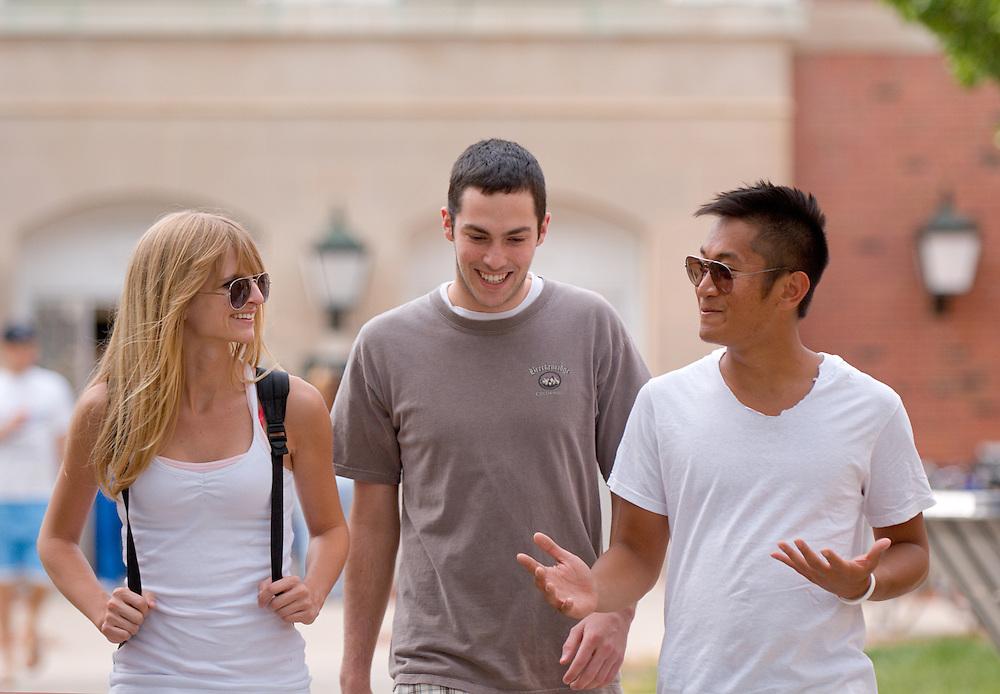 18201..Paolo Balboa(left), Nathan Edge(gray), Jen Kessler, Ryan Ford(left)