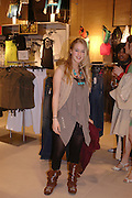 Mary Charteris. H&M Flagship Store launch. at 17-21 Brompton Road, Knightsbridge. London. SW1. 23  March 2005. ONE TIME USE ONLY - DO NOT ARCHIVE  © Copyright Photograph by Dafydd Jones 66 Stockwell Park Rd. London SW9 0DA Tel 020 7733 0108 www.dafjones.com