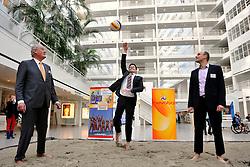 22-03-2012 VOLLEYBAL: PERSCONFERENTIE WK BEACHVOLLEYBAL 2015: DEN HAAG<br /> Het WK beachvolleybal 2015 wordt door de FIVB toegekend aan Nederland. In het stadhuis van Den Haag werd de pers op de hoogte gebracht / (L-R) Hans Nieukerke voorzitter Nevobo, Karsten Klein wethouder Sport Den Haag en Michel Everaert directeur Sport Nevobo<br /> ©2012-FotoHoogendoorn.nl