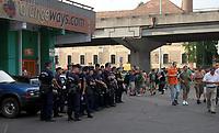 Fotball<br /> Kvalifisering UEFA Europa League<br /> 14.07.2011<br /> Ferencvaros v Aalesund<br /> Foto: Aleksandar Djorovic, Digitalsport<br /> <br /> Hungarian police beside stadium before match