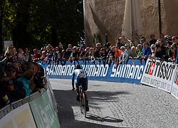 26.09.2018, Innsbruck, AUT, UCI Straßenrad WM 2018, Einzelzeitfahren, Elite, Herren, von Rattenberg nach Innsbruck (54,2 km), im Bild Ho San Chiu (HKG) // Ho San Chiu of Hong Kong during the men's individual time trial from Rattenberg to Innsbruck (54,2 km) of the UCI Road World Championships 2018. Innsbruck, Austria on 2018/09/26. EXPA Pictures © 2018, PhotoCredit: EXPA/ Reinhard Eisenbauer