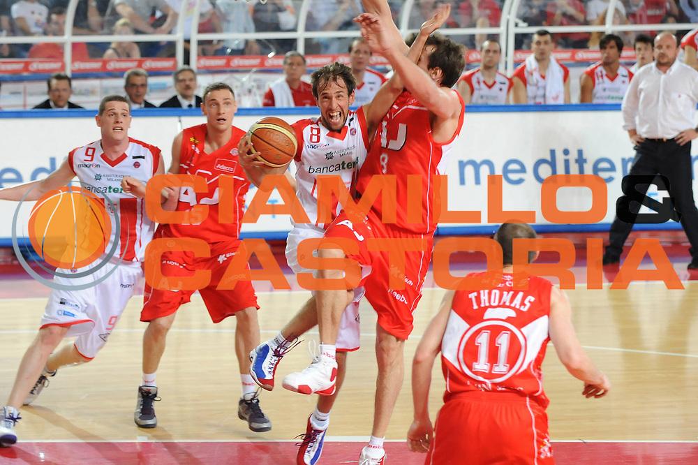 DESCRIZIONE : Teramo Lega A 2008-09 Playoff Quarti di finale Gara 1 Bancatercas Teramo Armani Jeans Milano<br /> GIOCATORE : Giuseppe Poeta<br /> SQUADRA : Bancatercas Teramo<br /> EVENTO : Campionato Lega A 2008-2009 <br /> GARA : Bancatercas Teramo Armani Jeans Milano<br /> DATA : 18/05/2009<br /> CATEGORIA : super tiro<br /> SPORT : Pallacanestro <br /> AUTORE : Agenzia Ciamillo-Castoria/M.Marchi