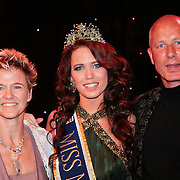 NLD/Nijkerk/20110710 - Miss Nederland verkiezing 2011, Miss Nederland Earth  Jill Duijves met haar ouders