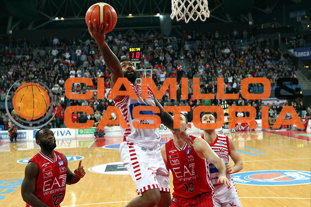 23-12-15 - Pesaro - Basket Consultinvest Pesaro vs EA7 Milano - Vittoria di Pesaro - Lacey - Photo Fabrizio Petrangeli-CIAMILLO