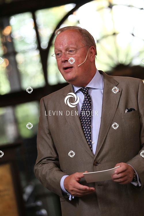 KAATSHEUVEL - In de Efteling was vandaag de officiele opening van Joris en de Draak.  Met op de foto Directeur Voorzitter Drs B. (Bart) de Boer. FOTO LEVIN DEN BOER - PERSFOTO.NU
