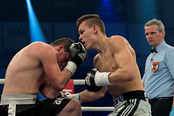 12.03.2016, Jahnsportforum, Neubrandenburg, GER, Boxgala, WBA Weltmeisterschaftskampf, im Bild v.l. Leon Bauer (Germany) vs Dino Sabanovic (Bosnia Herzegowina) Super Middleweight // during the WBA Light Heavyweight World Championship Boxgala at the Jahnsportforum in Neubrandenburg, Germany on 2016/03/12. EXPA Pictures © 2016, PhotoCredit: EXPA/ Eibner-Pressefoto/ Koch<br /> <br /> *****ATTENTION - OUT of GER*****