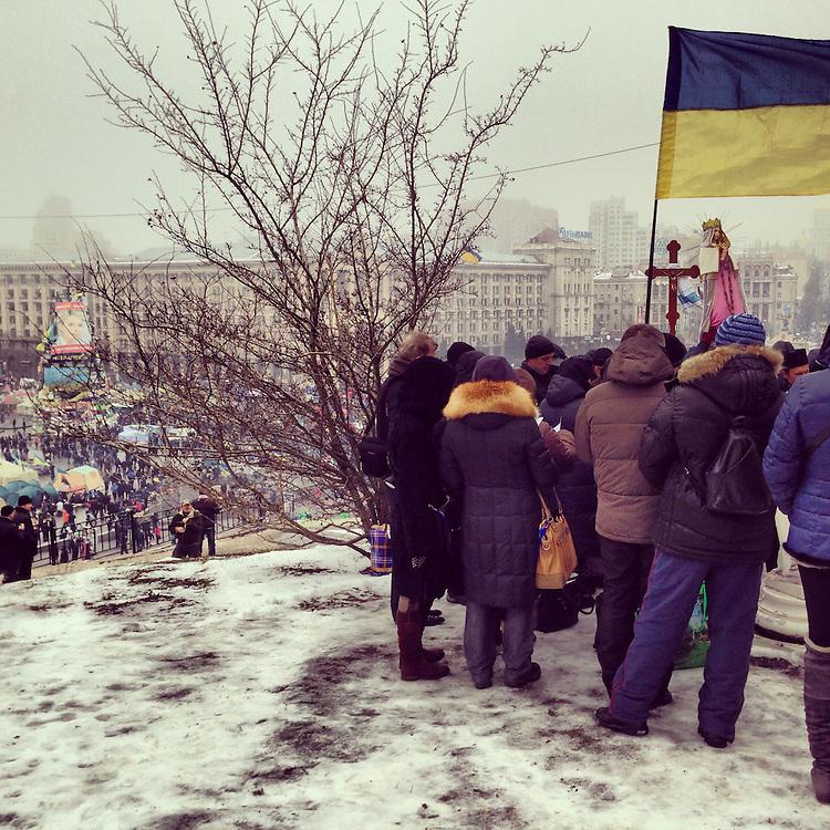 A slushy religious service overlooking the Maidan, Dec. 13, 2013. #kiev #ukraine #київ #україна #євромайдан #euromaidan #primecollective