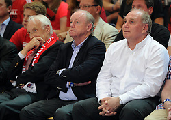 06.06.2013, Stechert Arena, Bamberg, GER, 1. BBL, 5. Playoff Halbfinale, Brose Baskets Bamberg vs FC Bayern Muenchen, im Bild Edmund Stoiber, Rudolf Schels (Spartenleiter Basketball FC Bayern Muenchen) und Uli Hoeness ( Praesident FC Bayern Muenchen) beobachten das Spiel // during the 5th playoff semifinal match of germans 1st basketbal Bundesliga between Brose Baskets Bamberg and FC Bayern Munich ath the Stechert Arena, Bamberg, Germany on 2013/06/06. EXPA Pictures &copy; 2013, PhotoCredit: EXPA/ Eibner/ Hans Martin Issler<br /> <br /> ***** ATTENTION - OUT OF GER *****