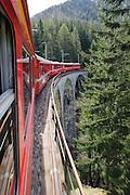 Viadukt, Albula, UNESCO Welterbestätte Rhätische Bahn in der Landschaft Albula, Kanton Graubünden, Schweiz   Viaduct, Albula, UNESCO World Heritage Site Rhaetian Railway in the Albula, Kanton Graubünden, Switzerland