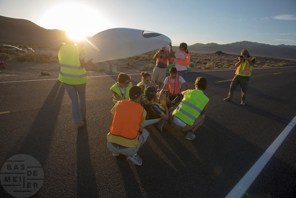 Ellen van Vugt heeft de laatste race voltooid op de zesde racedag van de WHPSC. In de buurt van Battle Mountain, Nevada, strijden van 10 tot en met 15 september 2012 verschillende teams om het wereldrecord fietsen tijdens de World Human Powered Speed Challenge. Het huidige record is 133 km/h.<br /> <br /> Ellen van Vugt finishes het last ride on the sixth day of the WHPSC. Near Battle Mountain, Nevada, several teams are trying to set a new world record cycling at the World Human Powered Vehicle Speed Challenge from Sept. 10th till Sept. 15th. The current record is 133 km/h.