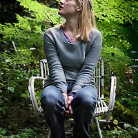 Nederland, Rotterdam , 20 oktober 2011..Werk van de kunstenares Madeleine Berkhemer, waar zijzelf in poseert..Foto:Jean-Pierre Jans