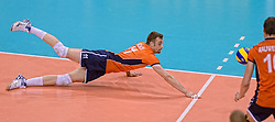 31-05-2015 NED: CEV EK Kwalificatie Nederland - Spanje, Doetinchem<br /> Nederland wint met 3-1 van Spanje en plaatst zich voor het EK in Bulgarije en Italie / Dick Kooy #11