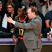 07 January 2018: Atlanta Hawks head coach Mike Budenholzer talks to Atlanta Hawks guard Dennis Schroder (17) during the LA Lakers 132-113 victory over the Atlanta Hawks, at the Staples Center, Los Angeles, California, USA.