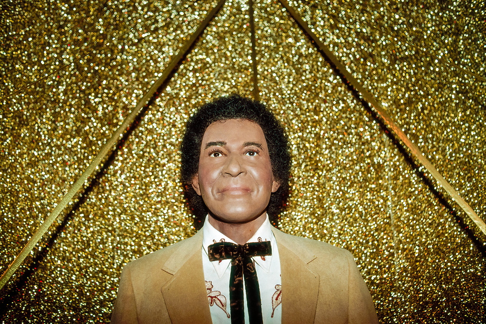 Charlie Pride wax statue at The Country Music Wax Museum and the Sidewalk of Fame in Nashville, TN (1999)